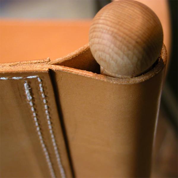 Dettaglio sedia regista